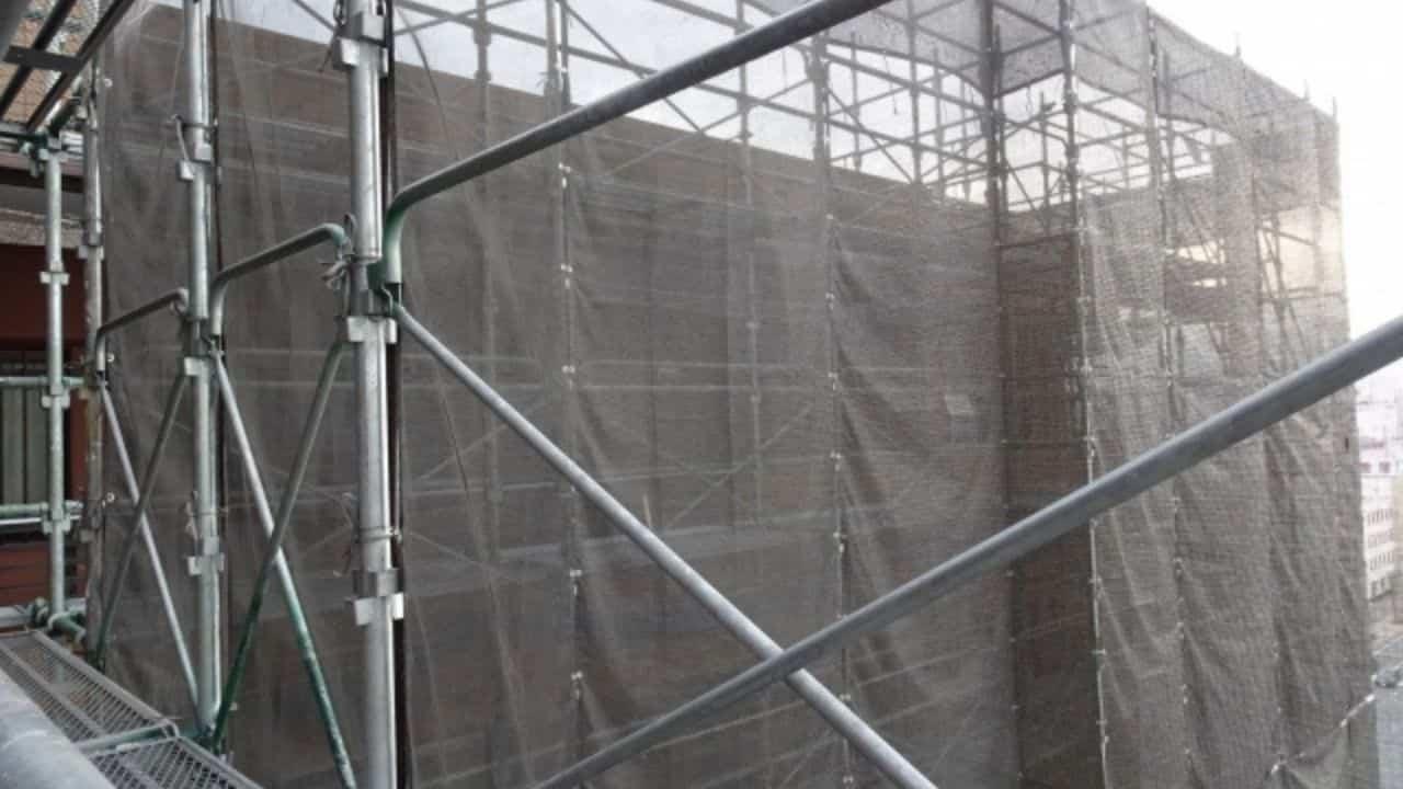 外壁塗装で足場工事が必要な場合にかかる費用の相場