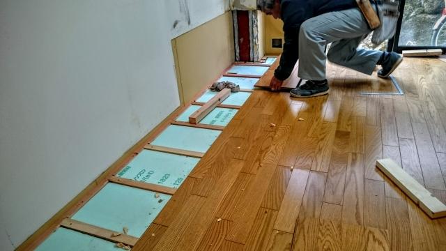 床・フローリングリフォームの張り替え工事の流れとは